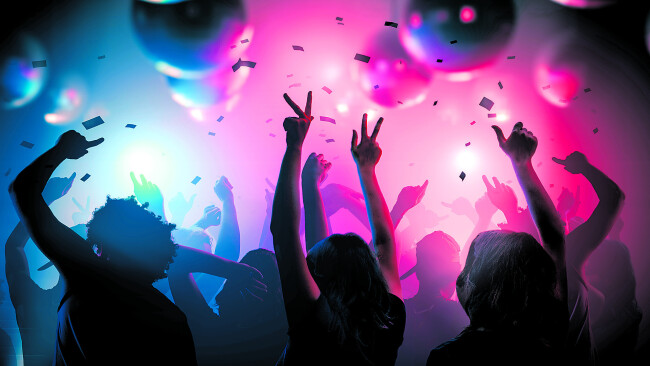 440_0008_7332891_eis31df_party_.jpg