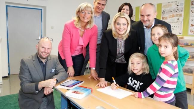 Neusiedler Volksschule Am Tabor Digitaler Stift erkennt Schreibprobleme