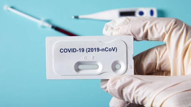 Symbolbild, Coronavirus, Coronatest, Test, Schnelltest, Coronakrise, Labor