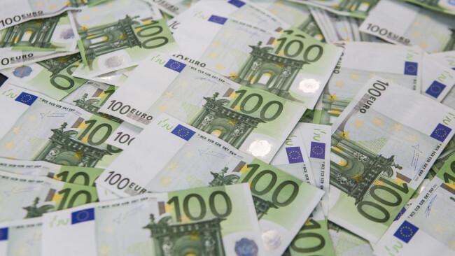 Geld Geldscheine Euro Euroscheine Banknoten Symbolbild