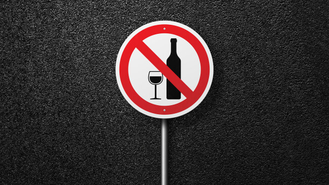 Alkohol Alkoholverbot Symbolbild