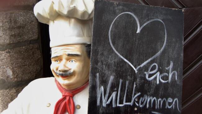 Wirt Gasthaus Restaurant Willkommenschild eines Gastronomiebtriebes Wirtschaft Gastronomie Gasthaus