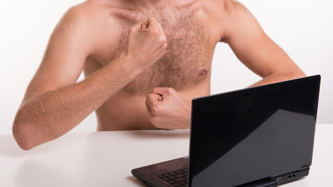 Internetbetrug Erpressung Nacktfotos Symbolbild