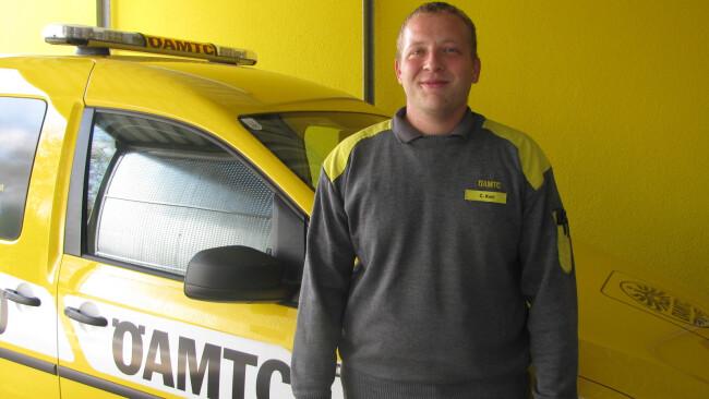 ÖAMTC-Pannenfahrer befreit in Oberwart Kind aus versperrtem Auto