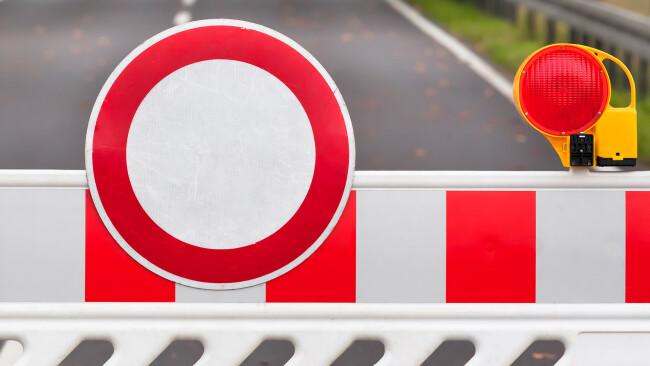 Sperre Straßensperre Symbolbild