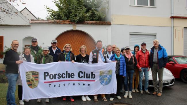 Headline:  Neckenmarkt  Pferdestarke Porsche trafen auf edle Rotweine