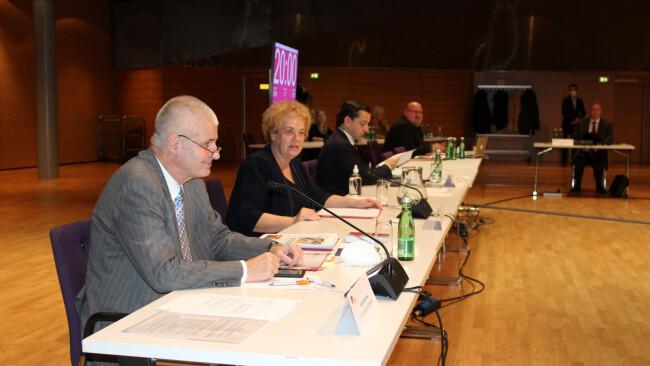 Verfahrensrichter Walter Pilgermair und Ausschussleiterin Verena Dunst