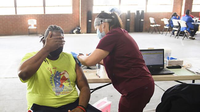 Fast ein Drittel der Erwachsenen ist mittlerweile voll immunisiert