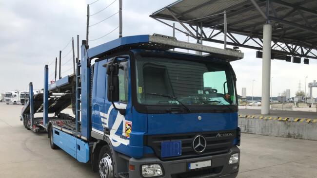 Ein LKW musste in Nickelsdorf, Bezirk Neusiedl am See, wegen schwerer Mängel abgestellt werden.