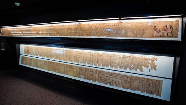 Die beiden Totenbücher des Sesostris und der Taruma