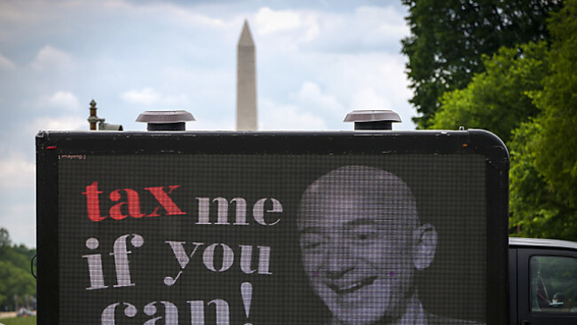 In den USA wird mit Amazon-Gründer Bezos für Vermögenssteuern geworben