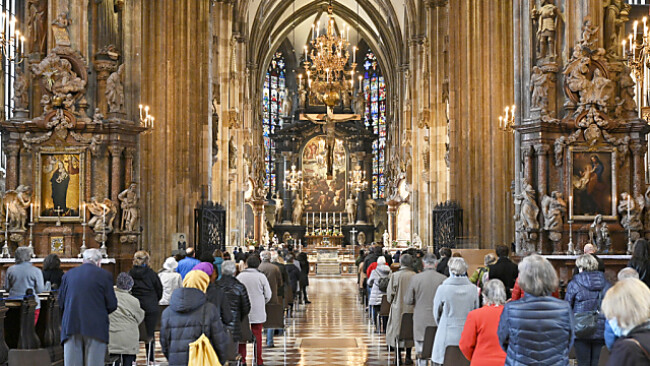 Corona: Auch bei den Messen kann gelockert werden