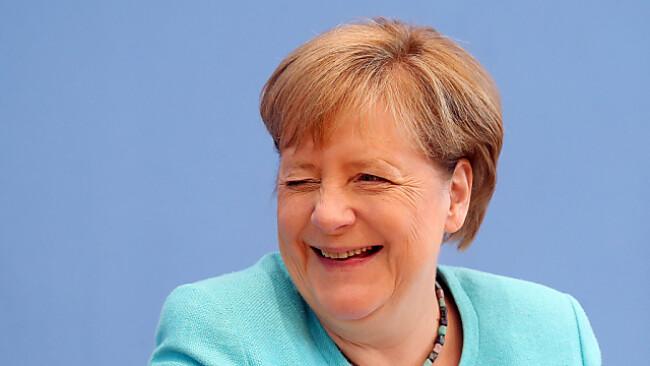 Gut gelaunte Kanzlerin Merkel beim Sommerinterview