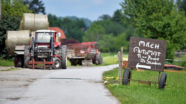 Beim Milch-Automat verkauft der Landwirt direkt