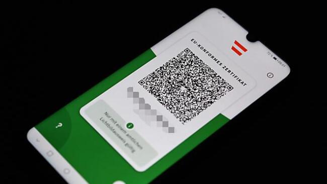"""Der """"Grüne Pass"""" ist auch via App verfügbar"""