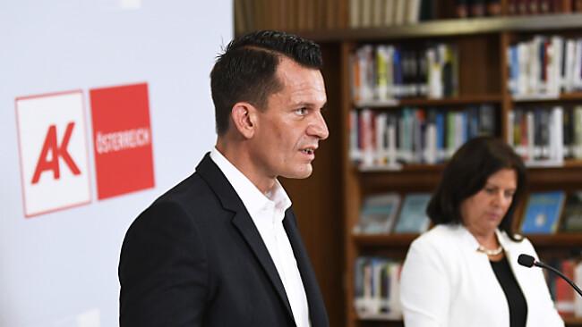 Sozialminister Mückstein bei gemeinsamer PK mit AK-Präsidentin Anderl
