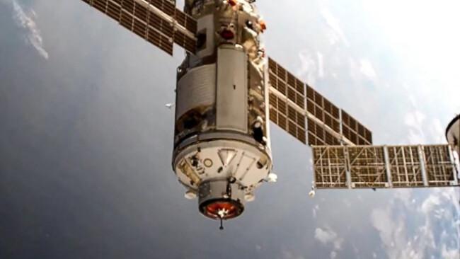 """Russisches Modul """"Nauka"""" dockt an die ISS an"""