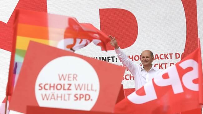 Kanzlerkandidat Scholz bei Schlusskundgebung in Köln