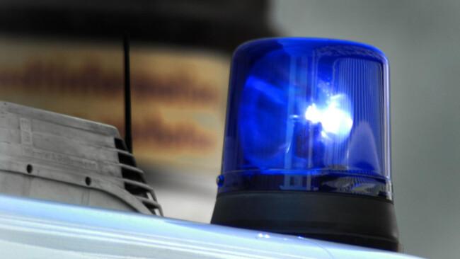 Rotes Kreuz Rettung Notarzt Unfall Krankenwagen Blaulicht Sirene