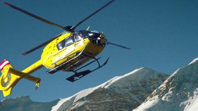 Rettungshubschrauber im Gebirge - Hubschrauber