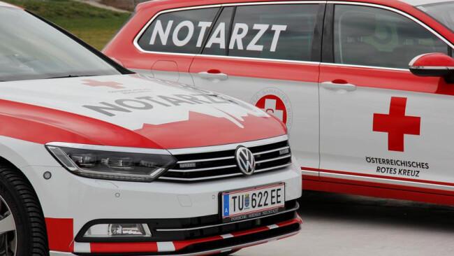Rettung Notarzt Spital Unfall Notarzteinsatzfahrzeug NEF