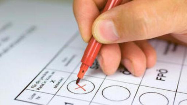 Wahl Urne Stimmabgabe Wide