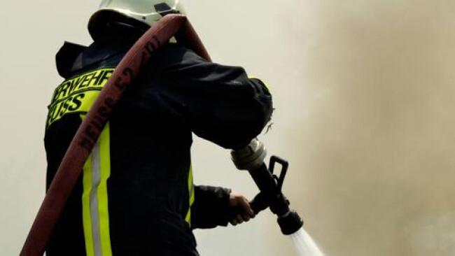 Feuerwehr Widescreen Schlauch Löschen