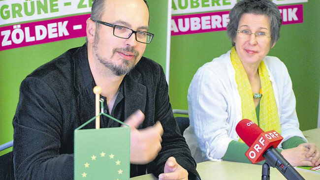 Web-Artikel 136015 Grünen-Kandidat Michel Reimon, Landessprecherin Regina Petrik.