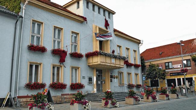 Rathaus Neusiedl am See Symbolbild Web-Artikel 102764