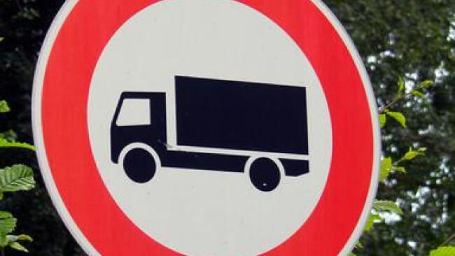 Fahrverbot fuer LKW - no trucks Fahrverbot