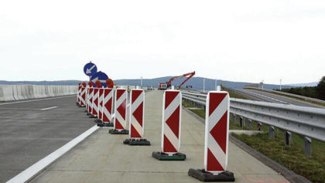Verkehrsschild Baustelle Hinweis Schild