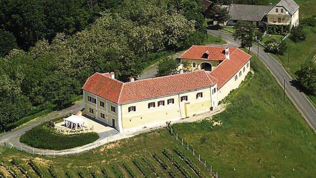 Schloss Tabor vor Verkauf NEUHAUS AM KLAUSENBACH |